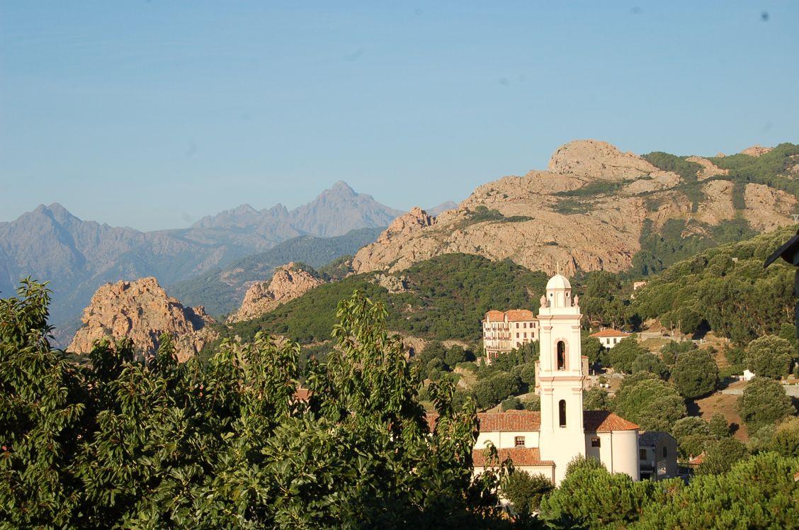 Autotour Villages en Corse