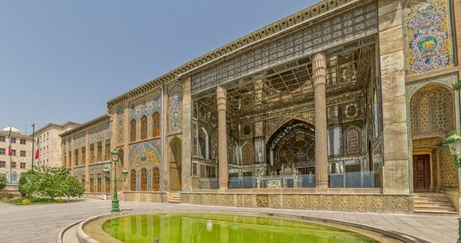 Tehran - copyright OPIS Zagreb/shutterstock