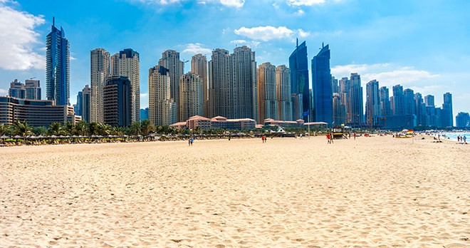 Plage Jumeirah-copyright Luciano Mortula / Shutterstock