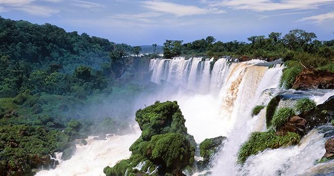 Chutes d'Iguaçu - copyright Josef Hanus / Shutterstock